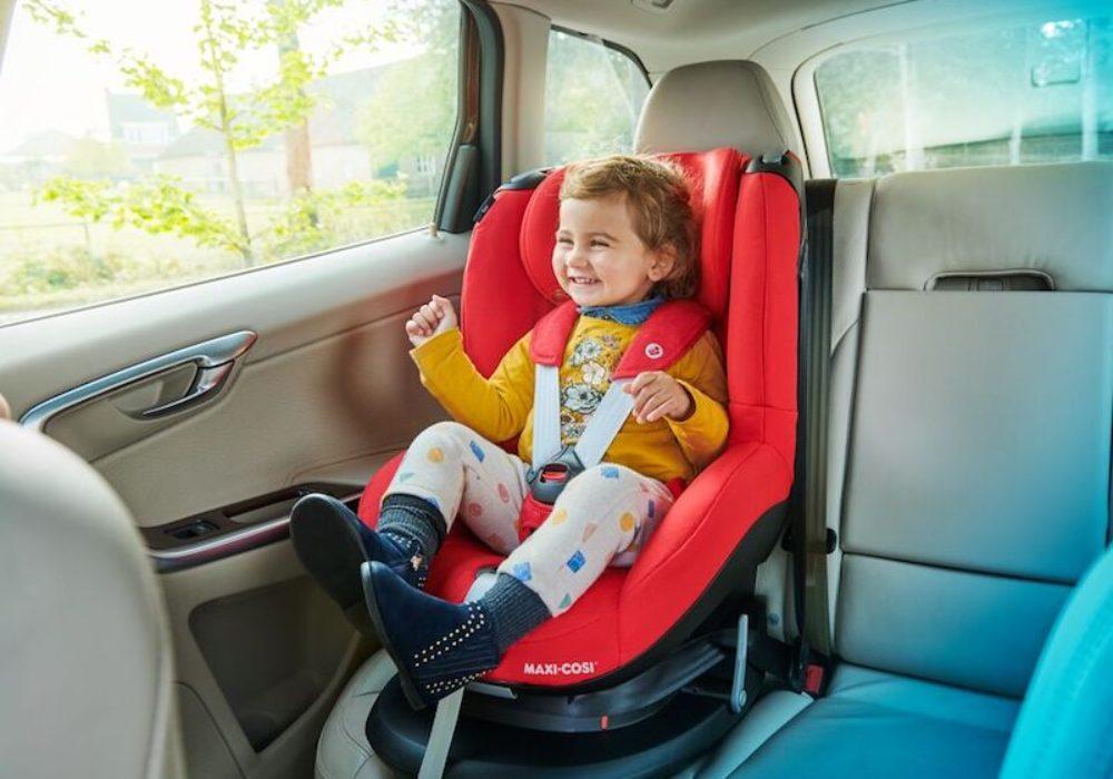 MC8601_2019_Maxicosi_carseat_Tobi_Lifestyle_Car_girllaughing_landscape